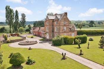 6 Bedrooms Detached House for sale in Holme Lacy, Hereford, Herefordshire HR2 6LX