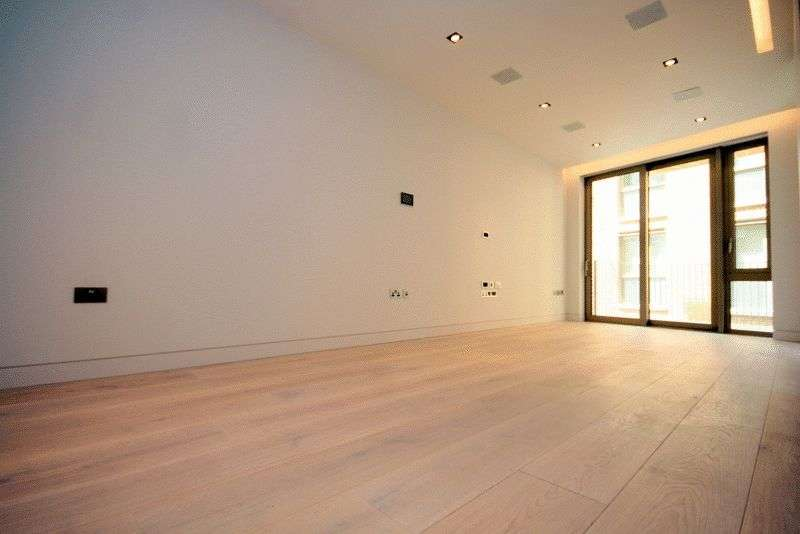 2 Bedrooms Flat for sale in Stunning 2 bed for sale in the prestigious development, One Tower Bride, 1.35m
