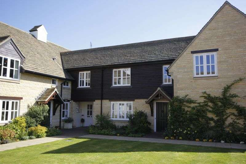2 Bedrooms Cottage House for sale in Carysfort Close, Elton, Peterborough