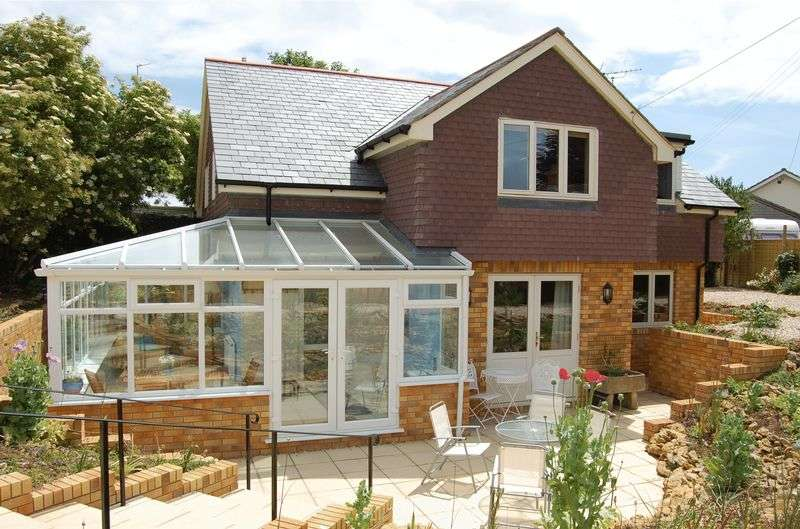 4 Bedrooms Detached House for sale in Burton Bradstock, Bridport