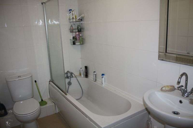 4 Bedrooms Flat for rent in Flats 1 2 3 Clayton House, Clayton Street, Newcastle Upon Tyne