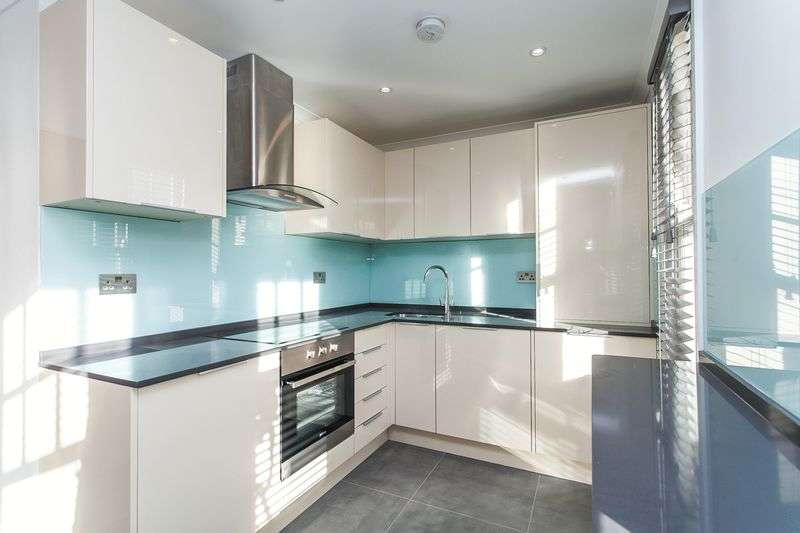 5 Bedrooms Terraced House for sale in Hewitt Avenue, London N22