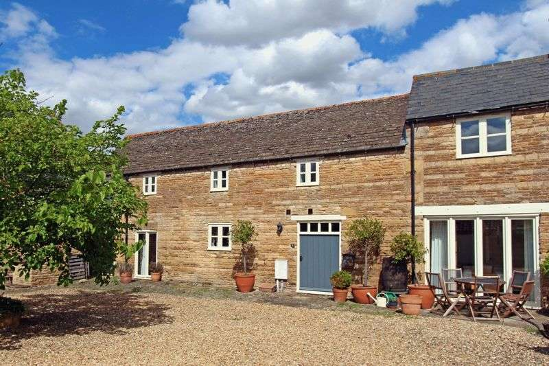 4 Bedrooms House for sale in Utterly charming barn conversion: The Acorns, Market Deeping