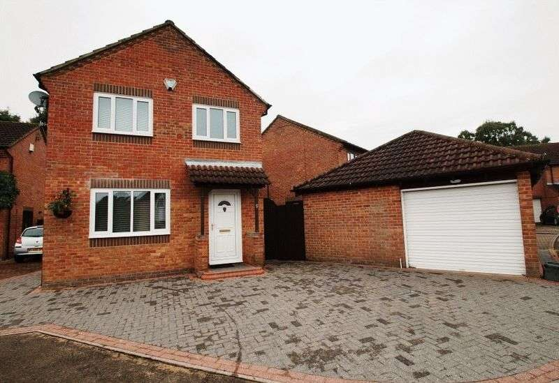 4 Bedrooms Detached House for sale in Phoenix Close, Langley Park