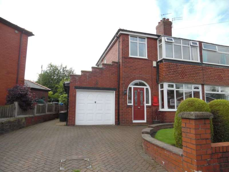 3 Bedrooms Semi Detached House for sale in Longfield Road, Shaw