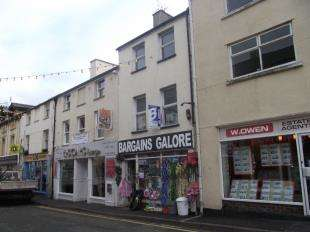 3 Bedrooms Maisonette Flat for sale in High Street, Bangor, Gwynedd, LL57