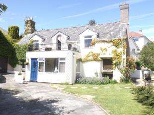 3 Bedrooms Detached House for sale in Warren Road, Deganwy, Conwy, Conwy, LL31