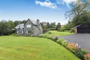 4 Bedrooms Detached House for sale in Llanbedr, Gwynedd, LL45