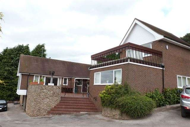 4 Bedrooms Detached House for sale in Cheddleton Road, Birchall, Staffordshire, ST13 5QZ