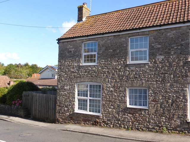 2 Bedrooms Semi Detached House for sale in WINFORD