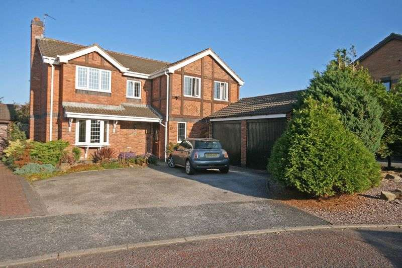 4 Bedrooms Detached House for sale in Beaumont Gardens, Carleton, Poulton-Le-Fylde