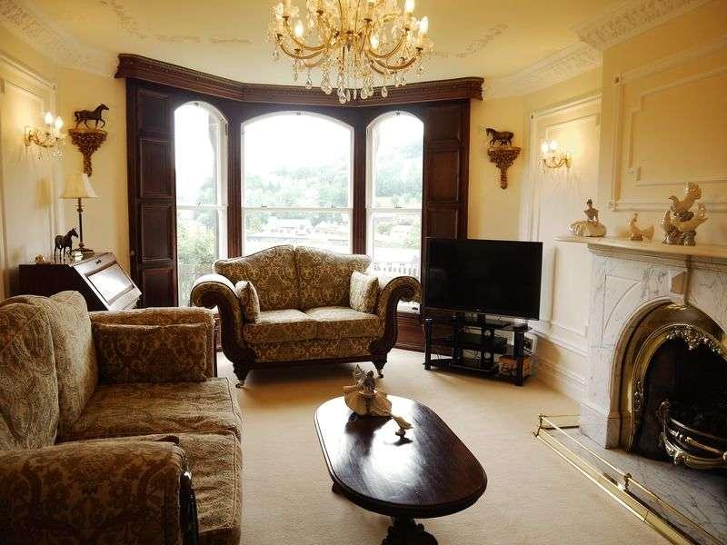 4 Bedrooms Terraced House for sale in Inchfield Road, Walsden, Todmorden OL14