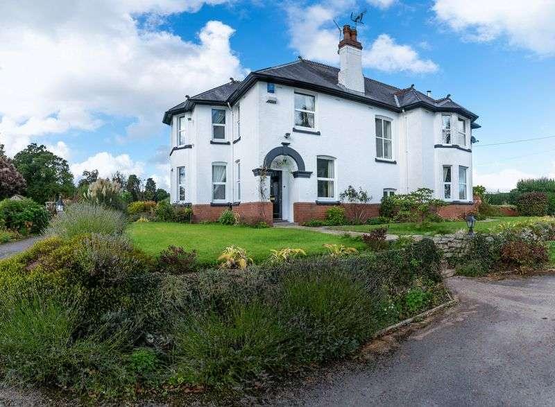 4 Bedrooms Detached House for sale in Penperlleni, Goytre, Monmouthshire