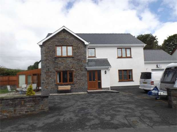 6 Bedrooms Detached House for sale in Llanwrda, Ffarmers, Llanwrda, Carmarthenshire