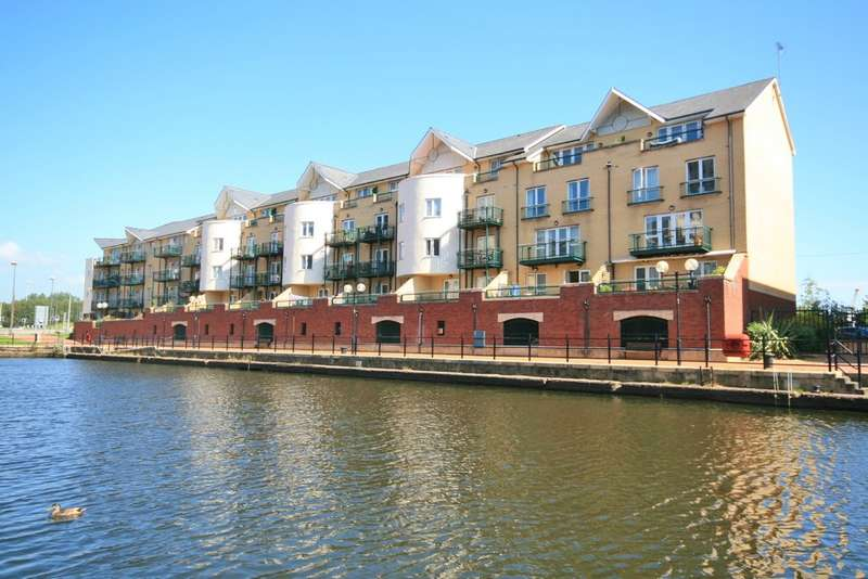 2 Bedrooms Flat for sale in Adventurers Quay, Cardiff