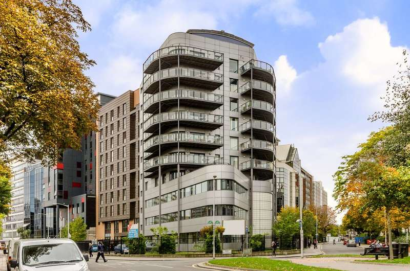 2 Bedrooms Flat for sale in Sydenham Road, East Croydon, CR0