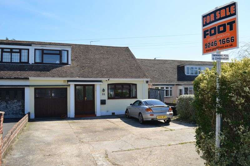 3 Bedrooms Semi Detached Bungalow for sale in Havant Road, Hayling island.
