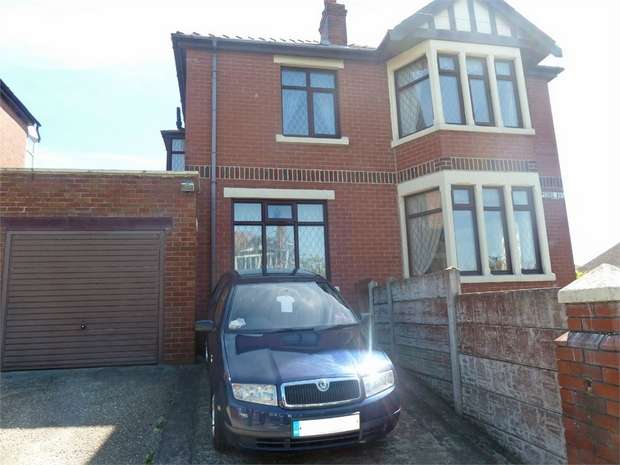 5 Bedrooms Detached House for sale in Bispham Road, Blackpool, Lancashire