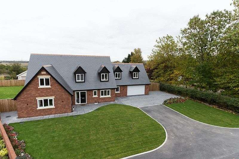 5 Bedrooms Detached House for sale in Greenways, Tarleton, Preston
