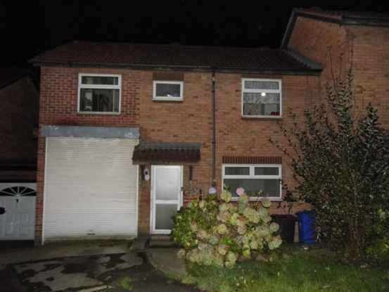 4 Bedrooms Semi Detached House for sale in Dearne Court,, Sheffield, South Yorkshire, S9 1GE