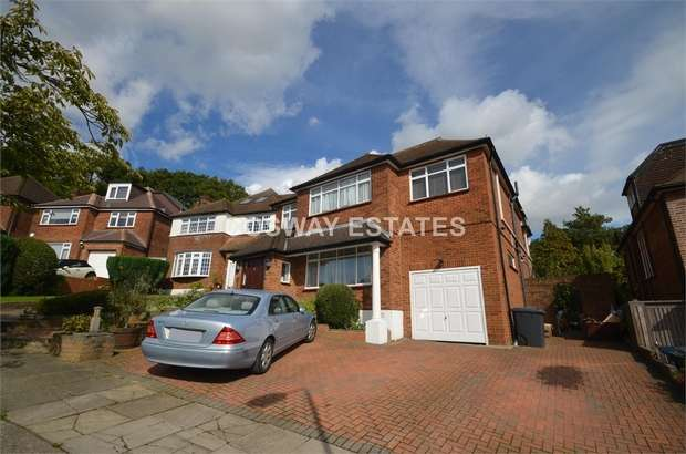 5 Bedrooms Detached House for sale in The Reddings, Mill Hill