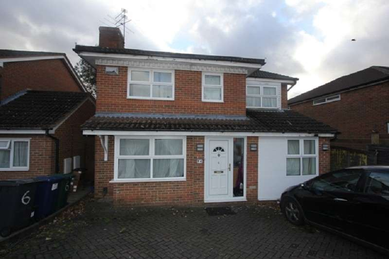 5 Bedrooms Property for sale in Hamonde Close, Edgware, Middlesex. HA8 8TG