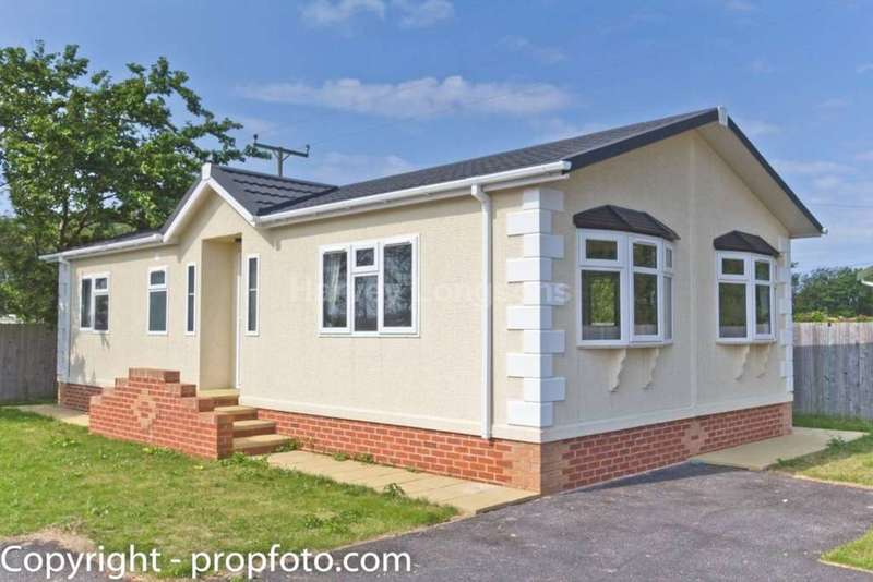 2 Bedrooms Park Home Mobile Home for sale in Wirral, Merseyside
