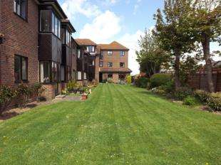1 Bedroom Flat for sale in 107 Station Road, Hayling Island, Hampshire