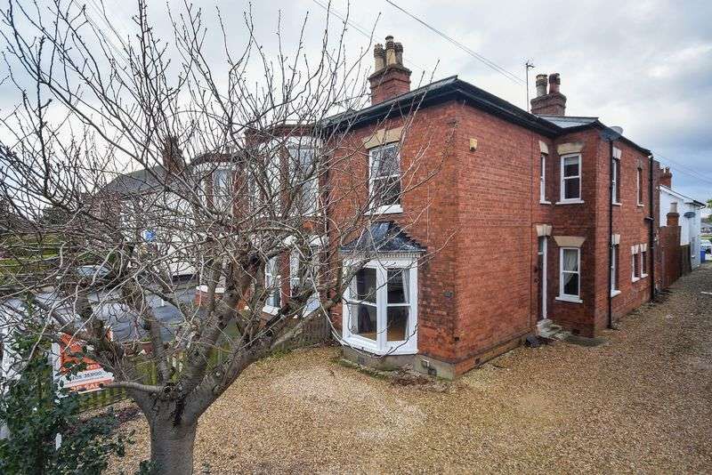3 Bedrooms Semi Detached House for sale in Norfolk Street, Boston