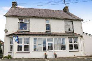 2 Bedrooms Flat for sale in Penarwel, Golf Road, Abersoch, Gwynedd, LL53