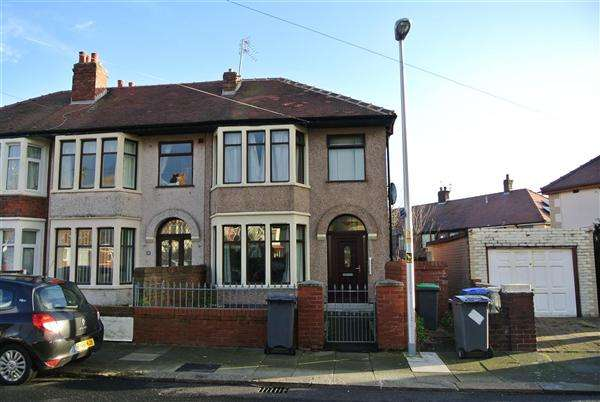 3 Bedrooms Semi Detached House for sale in Maxwell Grove, Blackpool