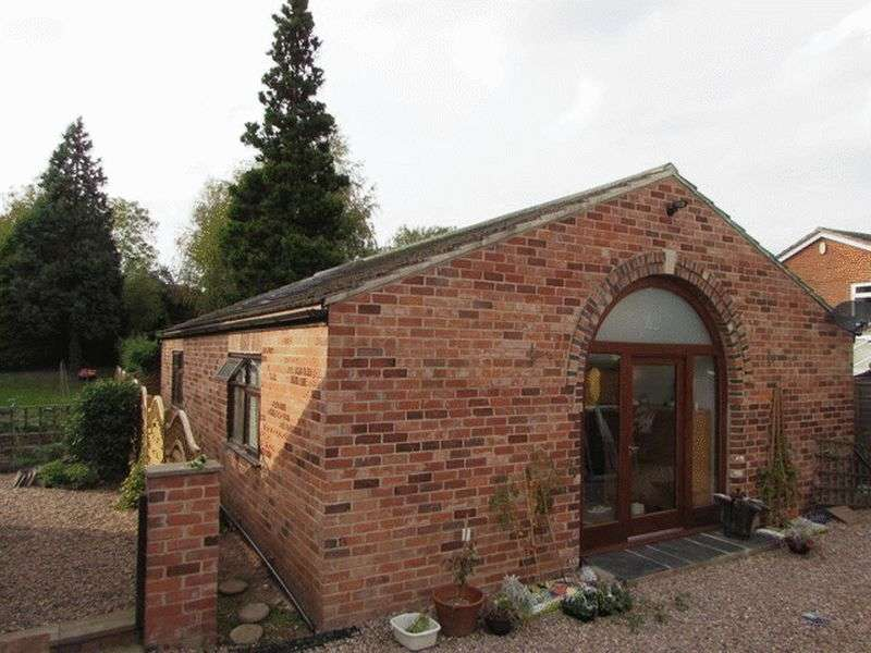 2 Bedrooms Detached Bungalow for sale in Spring Farm House Bungalow, Berry Hedge Lane, Old Winshill, Burton-On-Trent