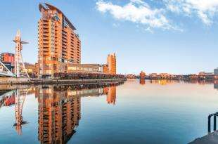 2 Bedrooms Flat for sale in Imperial Point, The Quays, Salford, Greater Manchester