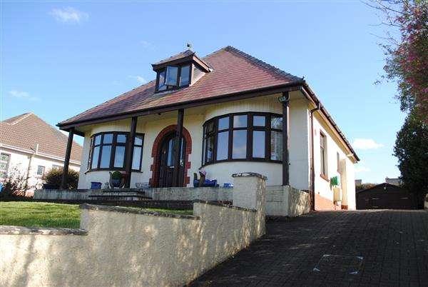 4 Bedrooms Detached Bungalow for sale in Park View Crescent, Pembroke Dock
