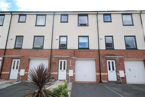 4 Bedrooms Mews House for sale in Mount Street, Rochdale