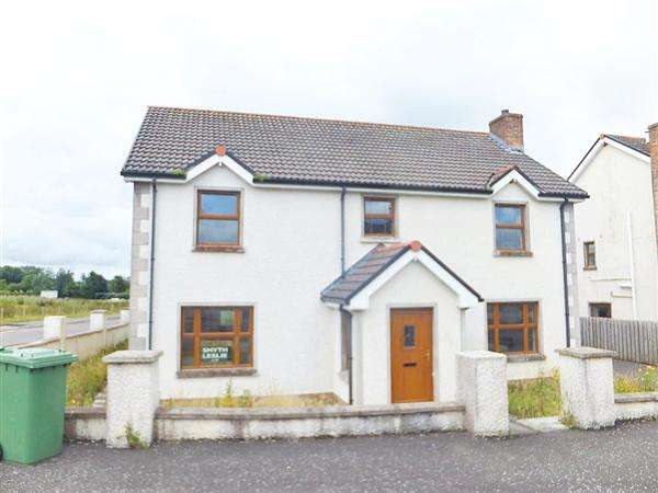 4 Bedrooms Detached House for sale in 49 Roscah View