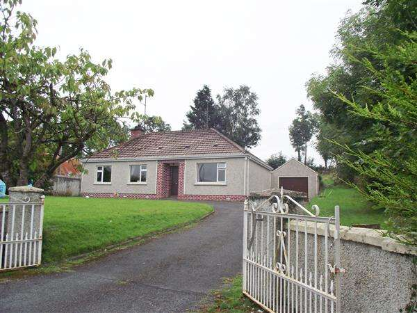3 Bedrooms Bungalow for sale in 20 Rabbitburrow Road