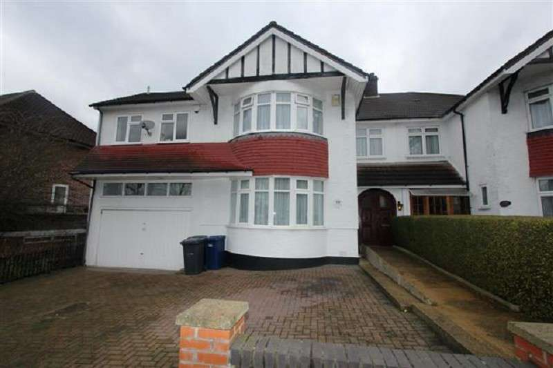 5 Bedrooms Property for sale in Penshurst Gardens, Edgware, Greater London. HA8 9TN