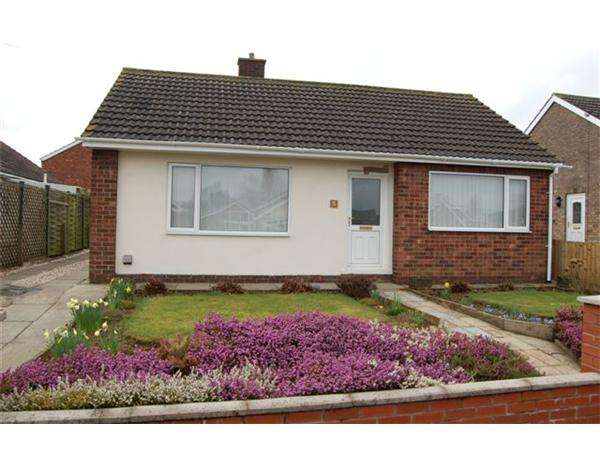 2 Bedrooms Detached Bungalow for sale in Oak Avenue, Scawby