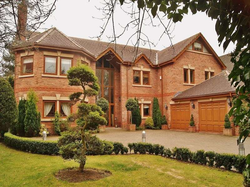 5 Bedrooms Detached House for sale in Victoria Road, Formby
