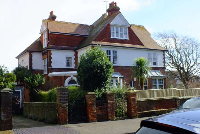 7 Bedrooms Detached House for sale in Milnthorpe Road, Eastbourne