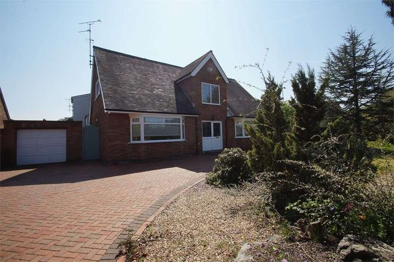 3 Bedrooms Detached Bungalow for sale in Park Road