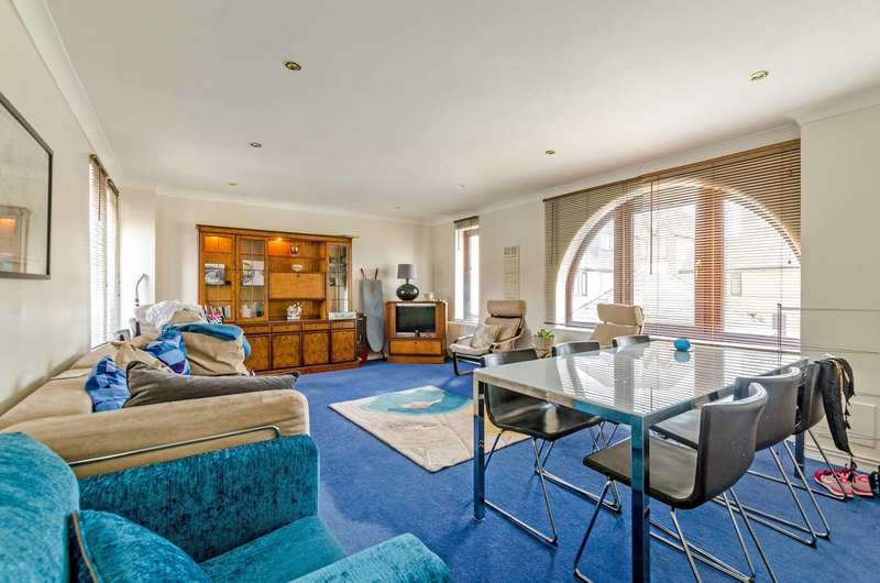 3 Bedrooms Flat for sale in Codling Close, Wapping, E1W