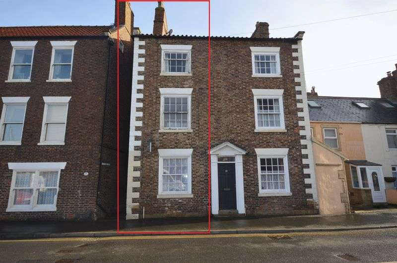 5 Bedrooms Semi Detached House for sale in 11a Church Street, Whitby