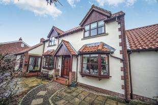 3 Bedrooms Detached House for sale in Main Street, North Sunderland, Seahouses, Northumberland, NE68