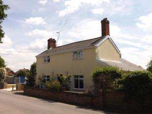 2 Bedrooms Detached House for sale in Whatfield, Ipswich, Suffolk