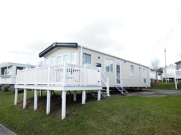 3 Bedrooms Park Home Mobile Home for sale in Pine Ridge, Rockley Park, Poole