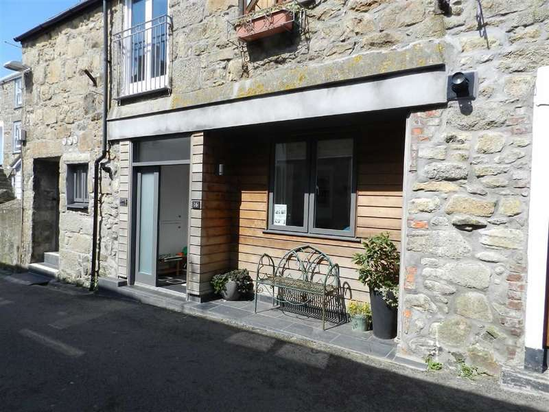 2 Bedrooms Flat for sale in Fish Street, St Ives