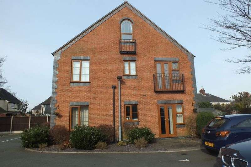 2 Bedrooms Flat for sale in High Lane, Burslem, Stoke-On-Trent