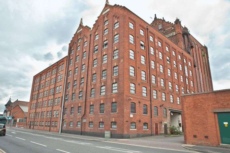 1 Bedroom Flat for sale in VICTORIA STREET, GRIMSBY